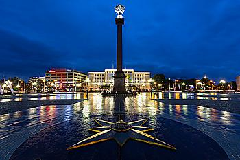 Column in Victory Square at night in Kaliningrad, Russia